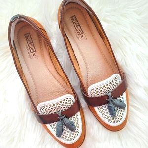 PIKOLINOS Brown Loafers with White Cut Out Design